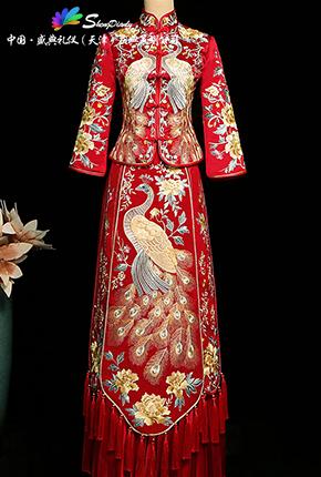 中式红色秀禾服